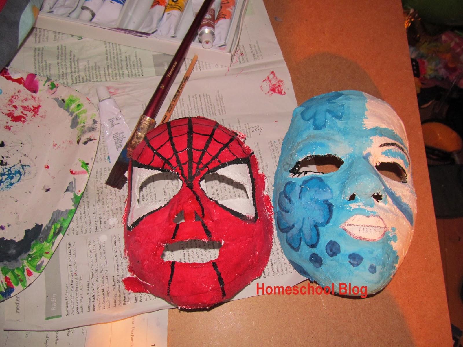 Gipsmasken-anmalen-Homeschool-Blog-Bernice-Jan-Zieba