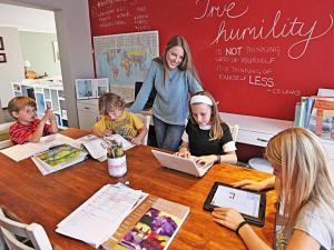 Education is best at home, Bild: Independant Newspapers, Homeschool News
