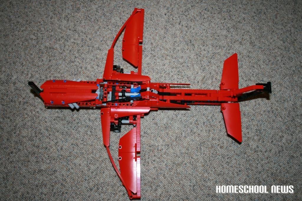 Flugzeug aus Lego, Homeschool News, Jan und Bernice Zieba