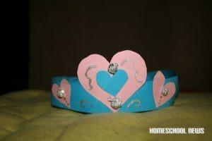 Krone und Tiara aus Papier basteln