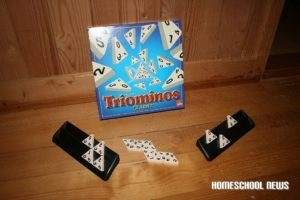 Triominos, ein Spiel das die Mathematik fördert