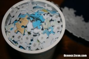 Teile des Puzzle-Globus