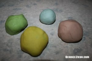 Knete selber machen, Make Play Dough Yourself