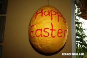 Grosses Osterei basteln / Make Large Easter Egg